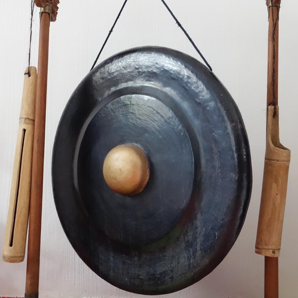 Der javanische Gong – Α und Ω